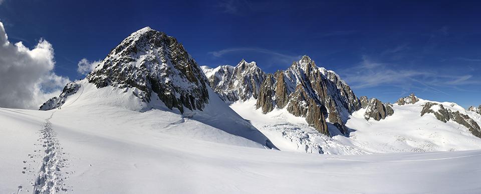 Da In funivia tra le vette. Escursioni imperdibili a piedi e sugli sci dalle Alpi Occidentali alle Dolomiti, di Diego Vaschetto.