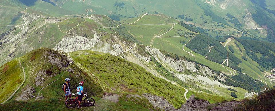 Da itinerari imperdibili in mountain bike in Piemonte e Valle d\'Aosta, di Armando Benzio, Ettore Patriarca e Gabriele Pellanda.