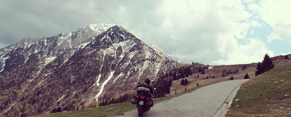 Da In moto sulle più belle strade delle Alpi, di Fabrizio Bruno.