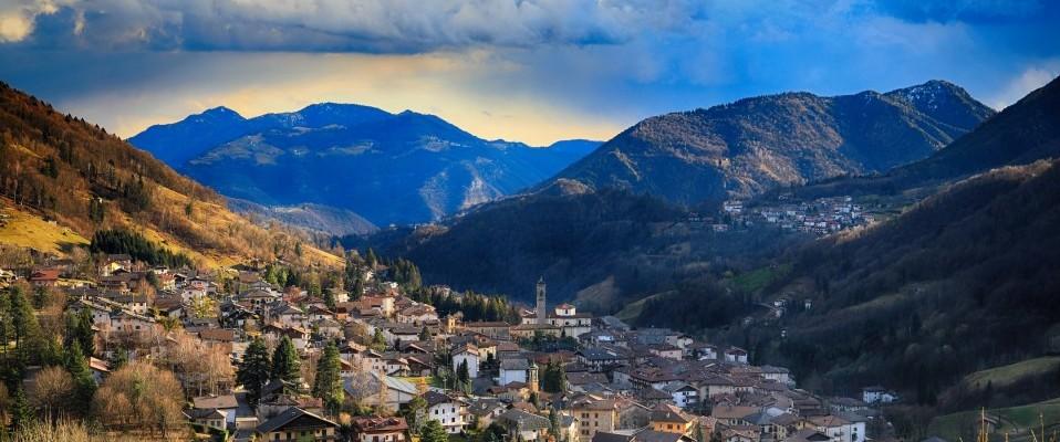 35 borghi montani imperdibili – Lombardia, di Andrea Accorsi.