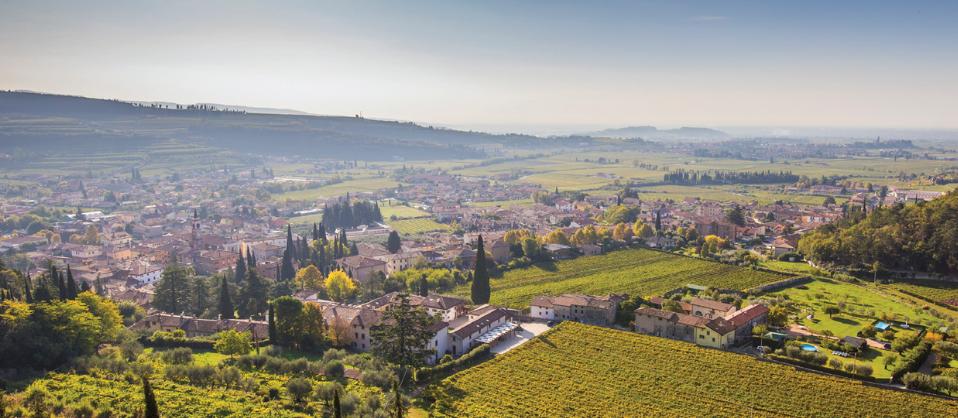 35 borghi imperdibili del vino – Veneto, di Laura Tajoli, Anna Brasca.