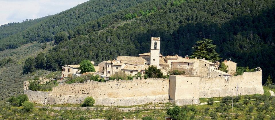 Borghi dell\'Umbria, di Andrea Carpi.